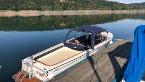 Elektroboot mit einem Sonnenverdeck Edersee